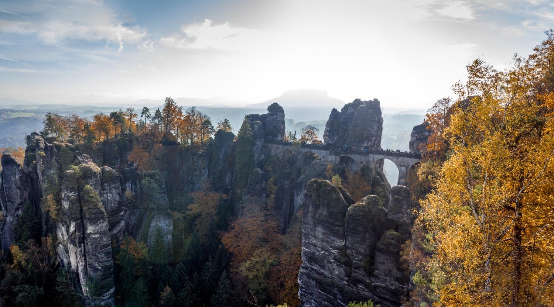 elbsandsteingebirge, sächsische schweiz, bastei, fotospot bastei, fotospot elbsandsteingebirge, fotospot sächsische schweiz,fotospots deutschland, fotolocation, fotolocation deutschland, deutschlands schönste orte, schöne orte deutschland, reiseziele deutschland, landschaftsfotografie deutschland